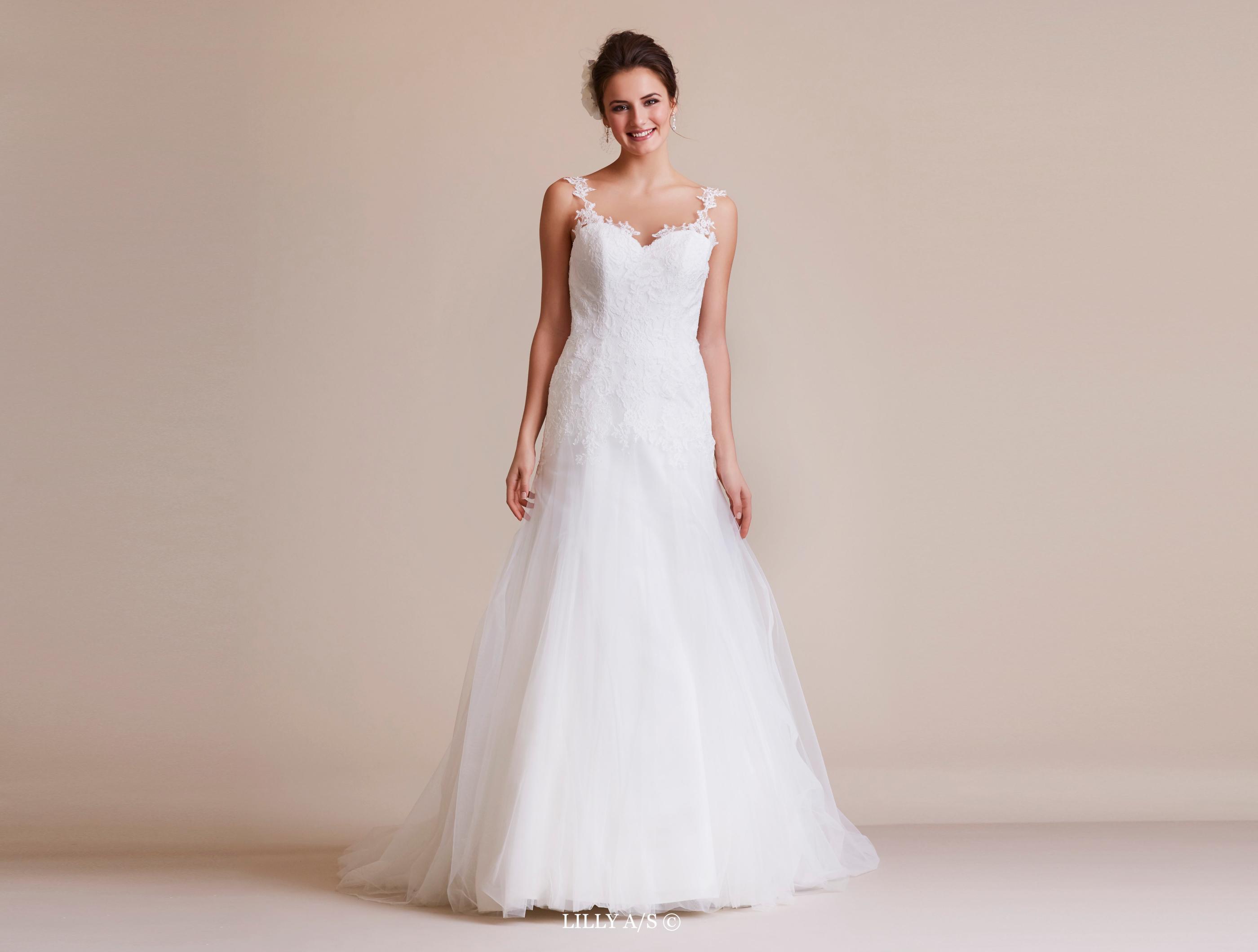 wie man bestellt Shop für authentische Qualitätsprodukte Figurbetontes Brautkleid mit Tüll und Spitze